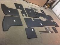 Обивка салона жесткая 452 комплект 22 предмета (с открытыми окнами)